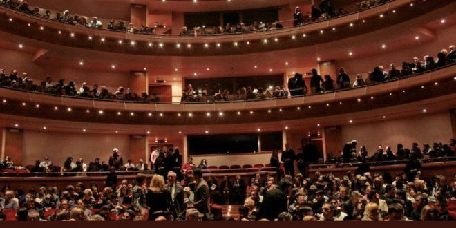 I teatri sospendono le attività